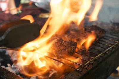 格子烤肉,烤肉架,肉,鸡,清新,草坪,周末活动,热,烤牛肉,香料