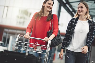 女性,机场,友谊,商务,旅途,行李,自由,商务旅行,汽车,女人
