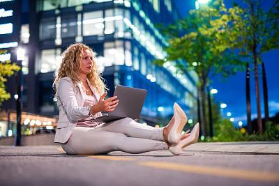 夜晚,商务,城市,奇异的,想法,技术,黄昏,商业金融和工业,户外,仅女人