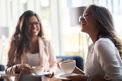 咖啡,女商人,两个人,现代,商业金融和工业,想法,忙碌,仅女人,多重任务,办公室
