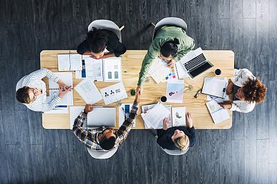 人,活力,全身像,创作行业,办公室,兼并和收购,商务人士,男商人,小企业,女商人