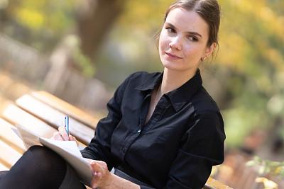 女性,学生,水笔,派克大街,商务人士,商务,专心,灵感,信函