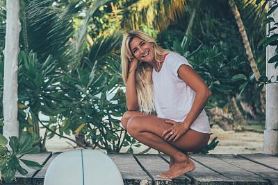 女人,幸福,冲浪板,海滩,自由,热带气候,海岸线,金色头发,户外,印度尼西亚