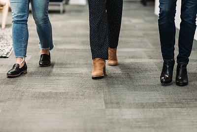 办公室,女人,足,室内,腿,四肢,水平画幅,工作场所,男商人,男性