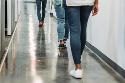 腿,女人,办公室,室内,足,商务,部分,地板,现代,青年女人