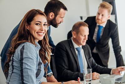 女人,专业人员,技术,工作年长者,商业金融和工业,商务策略,创作行业,办公室,脑风暴,幸福