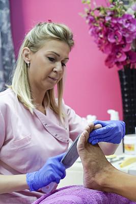 美容院,老年女人,部分,30岁到34岁,顾客,仅女人,护手套,以客户为中心,白昼
