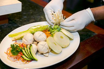 蘑菇,清新,成分,男性,盘子,部分,仅男人,日本食品,仅一个男人,芦笋