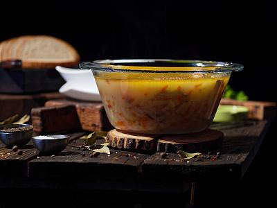 三文鱼,汤,传统,蔬菜,汤碗,食品,杂烩浓汤,鱼类,碗,暗调