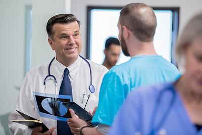 男性,x光,中老年人,白色人种,氦,平衡折角灯,放射科专家,专门技术,健康保健