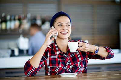 咖啡馆,网上冲浪,计算机,舒服,一个人,技术,远程工作,女性特质,现代,女人