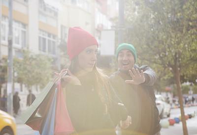 购物袋,异性恋,土耳其,商业金融和工业,顾客,户外,幸福,秋天,女性,冬天