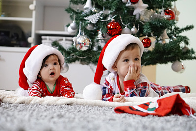 等,0到11个月,姐妹,兄弟,家庭,肖像,地板,2岁到3岁,仅儿童
