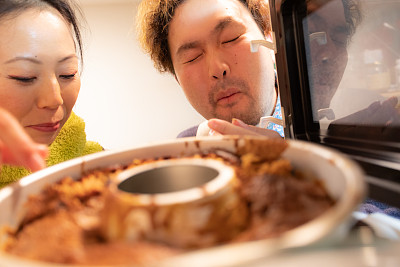蛋糕,日本人,伴侣,热,仅日本人,30岁到34岁,甜点心,烤炉,中年男人,仅一个女人
