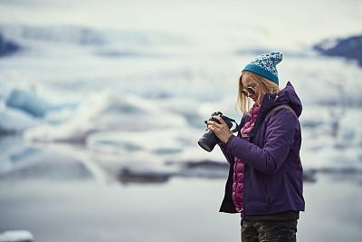 摄影师,女性,冰川泻湖,旅途,专业人员,忙碌,欢乐,户外,仅女人,仅一个女人