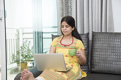 成年的,女人,印度人,股票,家庭生活,咖啡杯,杯,舒服,肖像,技术