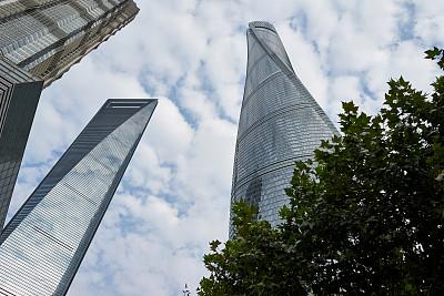 上海中心大厦,国际著名景点,云,现代,上海环球金融中心,户外,天空,金茂大厦,建筑,金融区