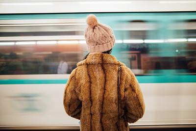 巴黎,女人,地铁站,等,地下的,旅途,法国,交通,地铁,商业金融和工业