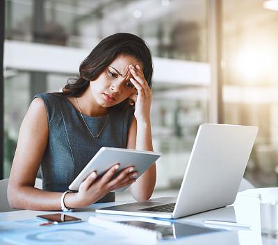 逆境,理想化的,专业人员,技术,拿着,仅女人,仅一个女人,办公室,情绪压力,使用电脑