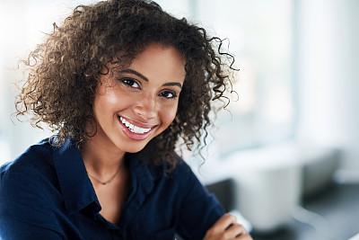 表现积极,决心,脐钉,专业人员,肖像,现代,创作行业,仅女人,仅一个女人,办公室