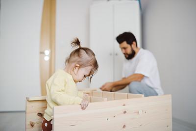 父女,家庭,儿童,童年,维修车间,车间,业余爱好,女孩,幸福,商务人士