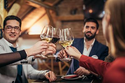 葡萄酒,友谊,周末活动,现代,欢乐,晚餐,下班后,高雅,饮食,女性