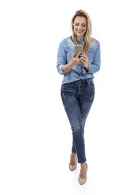 金色头发,女人,背景分离,40到44岁,技术,从容态度,臀,拿着,粗斜纹棉布,全身像