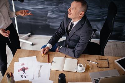 职业,商务,专业人员,技术,现代,商业金融和工业,忙碌,办公室,脑风暴,使用手提电脑