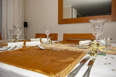 餐桌,家庭,住宅内部,都市风光,餐刀,华贵,玻璃杯,椅子,英国,现代