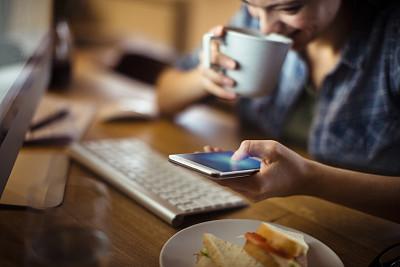 女人,电子邮件,部分,技术,帐单,现代,拿着,住宅内部,消息,多重任务
