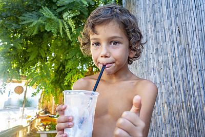 奶昔,鸡尾酒,男孩,海滩,饮料,土耳其,热带气候,一个人,仅儿童,小的