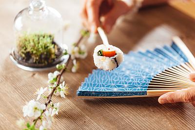 扇子,寿司,华丽的,部分,日本食品,米,螃蟹,简单,禅宗,拿着