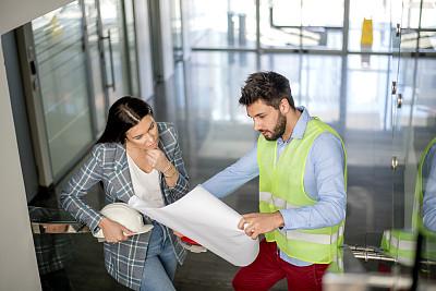 蓝图,建筑师,专业人员,商业金融和工业,拿着,建筑,白昼,男商人,女商人,四分之三身长
