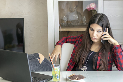 女商人,青年人,问题,技术,果汁,现代,商业金融和工业,仅女人,仅一个女人,情绪压力