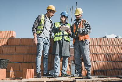 建筑业,文书工作,技能,中老年男人,仅男人,技术,建筑,领导能力,面对面,使用电脑