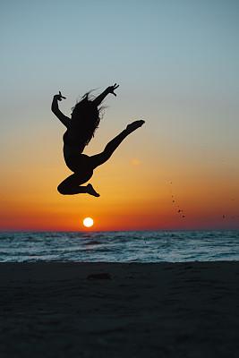 自由,舞蹈,女孩,注视镜头,戏剧表演,运动,体操,风,弹性,一个人