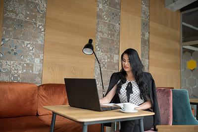 办公室,女商人,女性,青年人,部分,咖啡杯,杯,技术,现代,仅女人