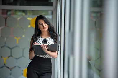 女商人,自然美,铅笔,拿着,仅女人,仅一个女人,办公室,半身像,看,白色