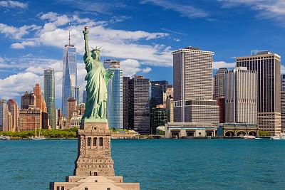 阿姆斯特丹世贸中心,美国,纽约州,纽约,纽约港,自由女神像,曼哈顿金融区,水,城市天际线,户外