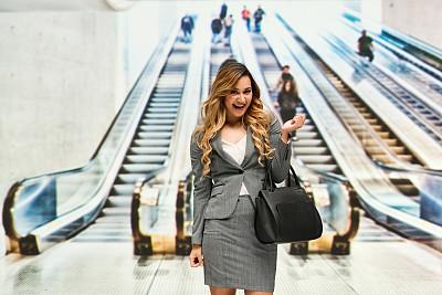 女商人,活力,在活动中,商务,城市生活,旅途,经理,专业人员,一个人,25岁到29岁