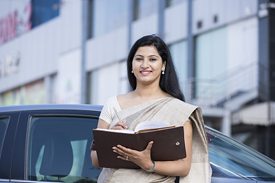 图像,股票,汽车,肖像,现代,拿着,户外,印度,仅女人,仅一个女人