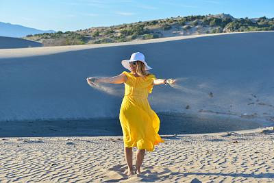 女人,沙漠,沙子,商务,热,土耳其,热带气候,一个人,安塔利亚省,50到54岁