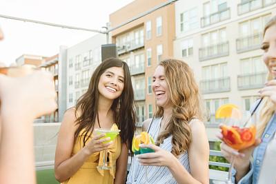 鸡尾酒,女人,夜生活,事件,拉美人和西班牙裔人,户外,幸福,白昼,饮食,女性