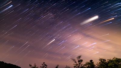 银河系,流星雨,都市风光,地形,户外,夜晚,夏天,紫色,蓝色