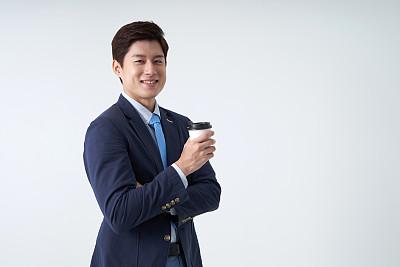 咖啡杯,男商人,朝鲜民族,拿着,商务,中老年男人,一个人,25岁到29岁,一次性杯子,女人