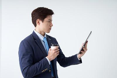 平板电脑,男商人,白色背景,朝鲜民族,商务,经理,计算机,背景分离,仅男人,一个人