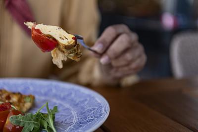 餐馆,幸福,老年女人,商务,人老心不老,中老年女人,午休时间,食品,一个人,商务餐