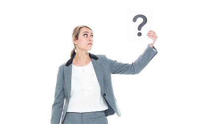 问号,女商人,标志,拿着,商务,专业人员,背景分离,一个人,女性特质,25岁到29岁