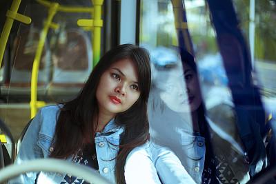 印度尼西亚,女商人,雅加达,巴士,发狂的,在活动中,旅途,交通工具内部,通勤者,仅女人