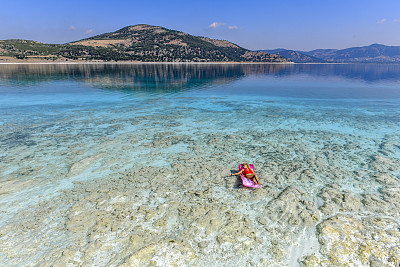 女人,湖,红色,海底,商务,淡水,土耳其,一个人,仅一个青年女人,绿松石色